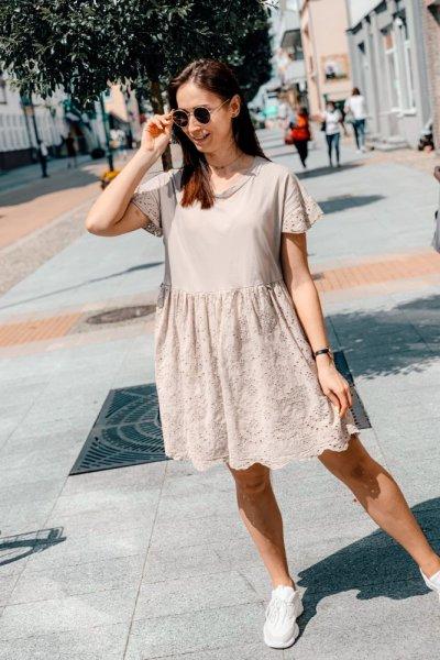 Sukienka beżowa blanca z haftowaniem 1