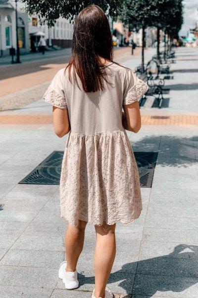 Sukienka beżowa blanca z haftowaniem 4